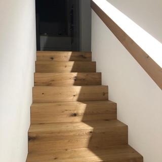 4 Treppenaufgang.jpg