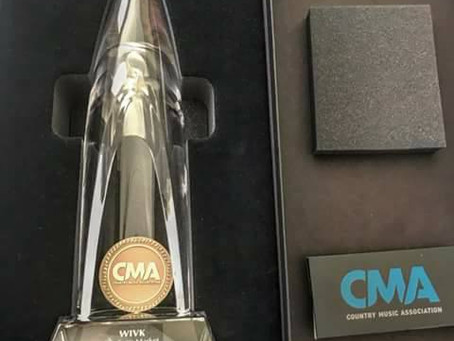 107.7 WIVK CMA Station of the Year