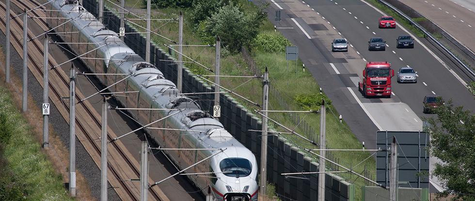 ICE Trasse und Autobahn A3