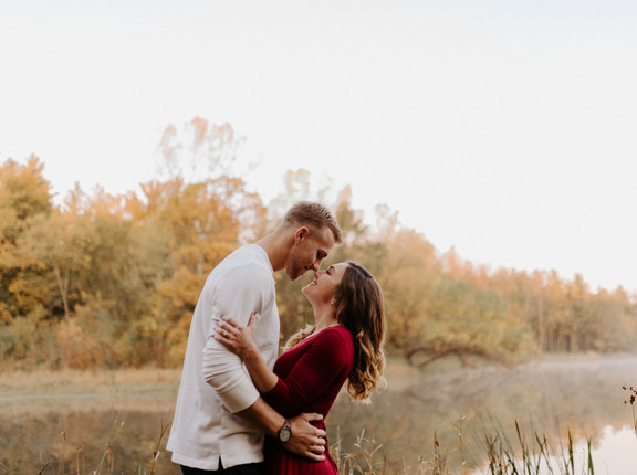 Jordan and Austin | Jester Park Sunrise Engagement