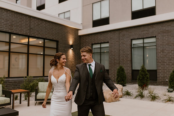 bienvenucedarfallswedding-corahbphotogra