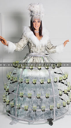 Winter_White_party_Champagne_dress_rovin