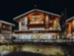Strolz Sporthaus Lech im Winter