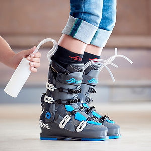 Strolz skiboots foaming and finalising