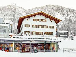 Strolz ski rental Lech / Rüfiplatz