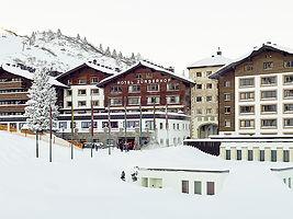 Strolz ski rental im Zürserhof
