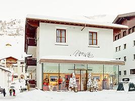 Strolz ski rental in Zürs