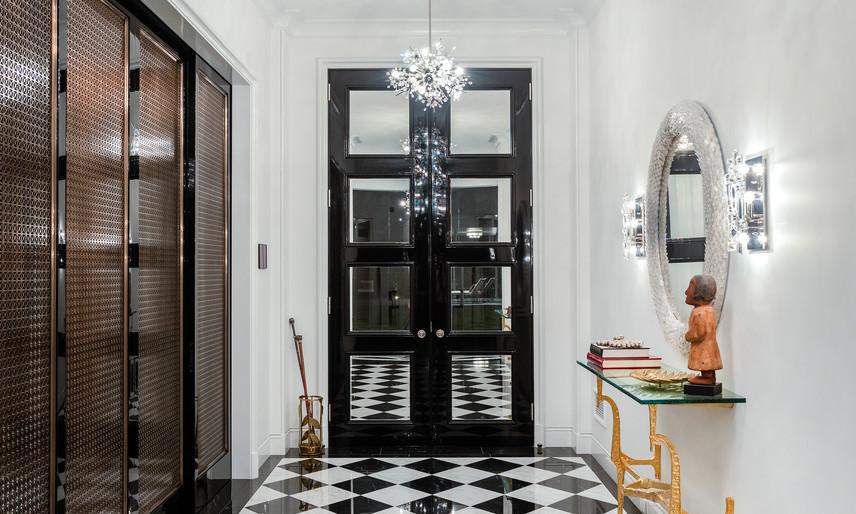 03 Front entry hallway.jpg