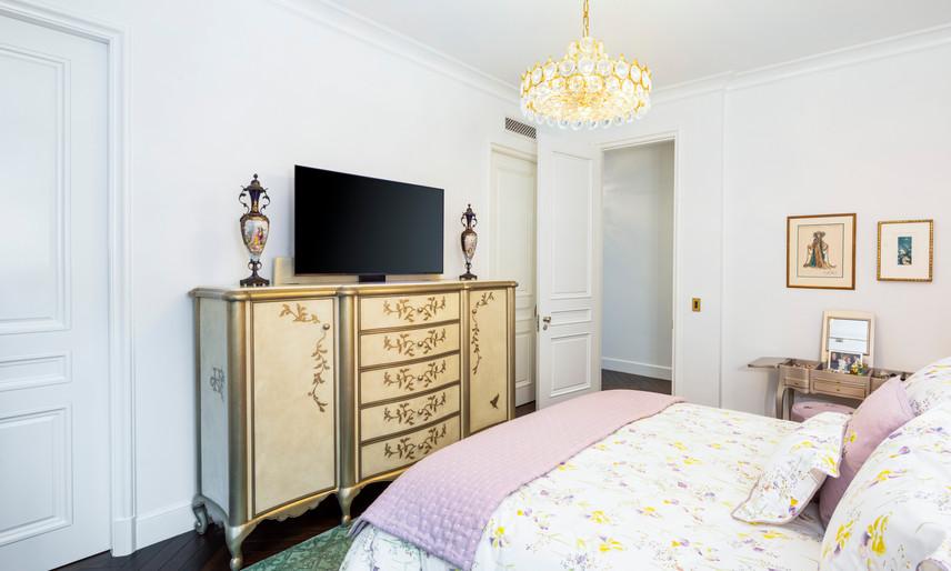 19 Guest bedroom 1 - 1.jpg