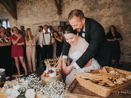 Abingdon Abbey Buildings Wedding Photography- Oxford Wedding Photography - Mark & Vivian