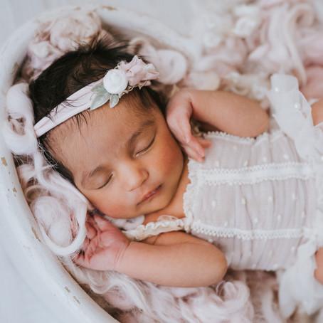 Newborn Photography - Aylesbury Newborn Photographer- Poppy Carter Portraits - Buckinghamshire