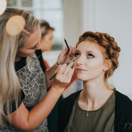 A spotlight on: Laura Carroll Makeup Artistry. Buckinghamshire Recommended Wedding Suppliers