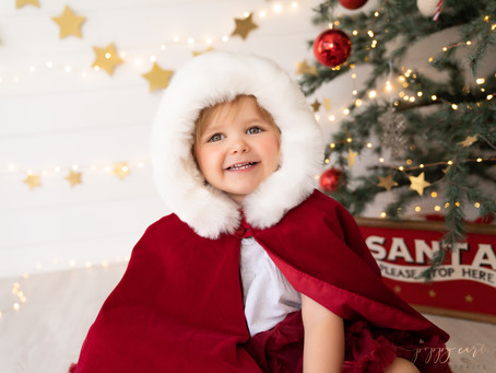 Christmas Mini Sessions - Buckinghamshire Christmas Photography - Poppy Carter Portraits
