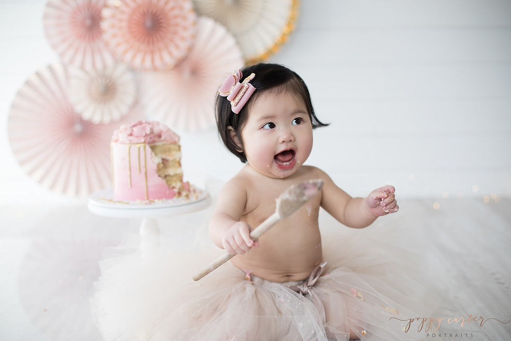 Poppy Carter Portraits Pink and Gold Cake Smash Photography Buckinghamshire