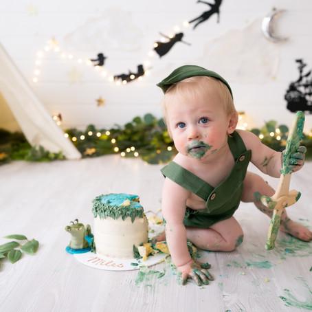 Peter Pan Cake Smash - Poppy Carter Portraits - Buckinghamshire Family Photography