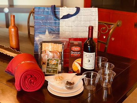 Wine Picnic In a Bag To Go Johnson City