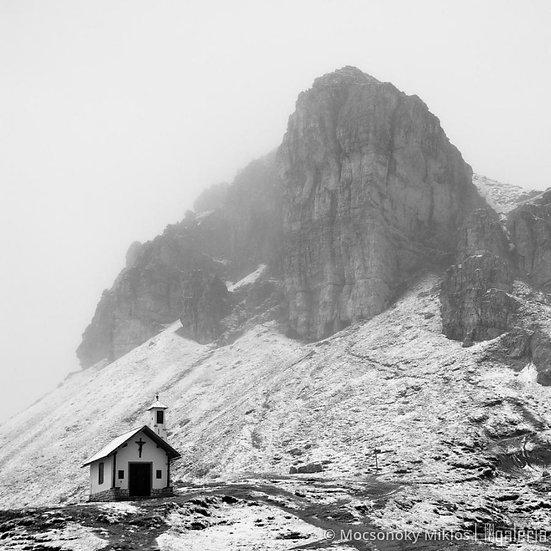 Templom a hegy alatt | Mocsonoky Miklós