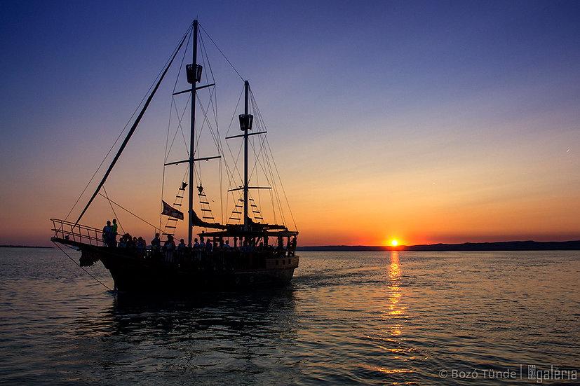 Naplemente a hajón | Bozó Tünde