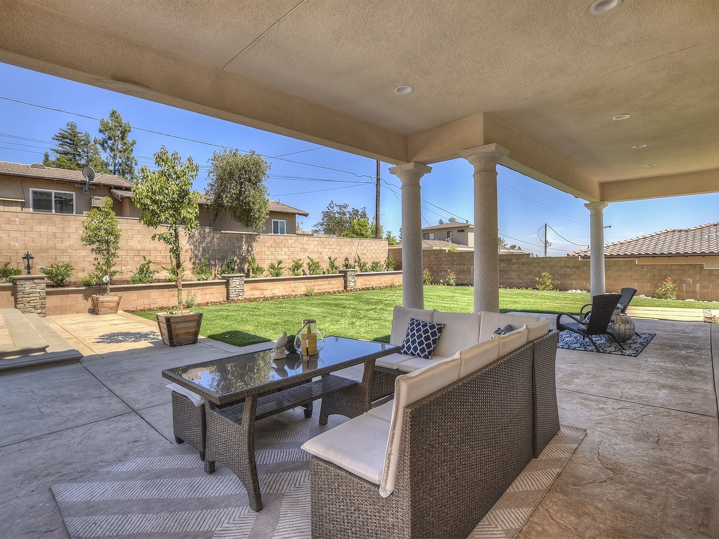 054_Covered Patio.jpg
