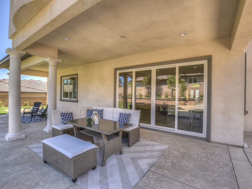 048_Covered Patio.jpg