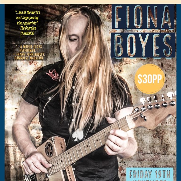Fiona Boyes live at The Vine Hotel