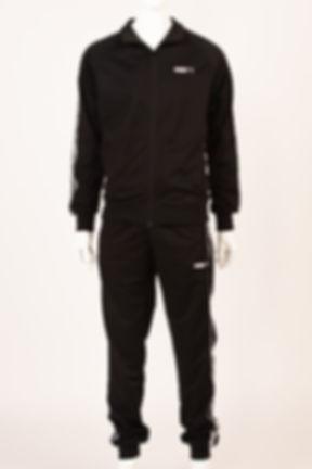 черный спортивный костю