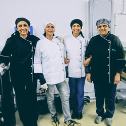 Four Swaadish curry sauce sisters from Gujarat
