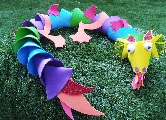 דרקון על הדשא