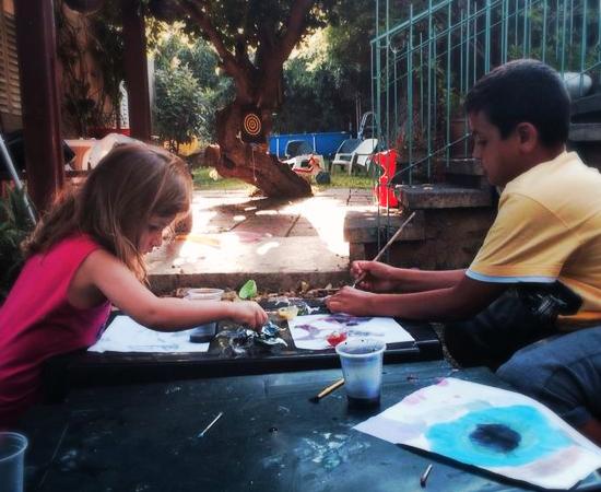 צובעים בצבעי המים - פעילות לילדים