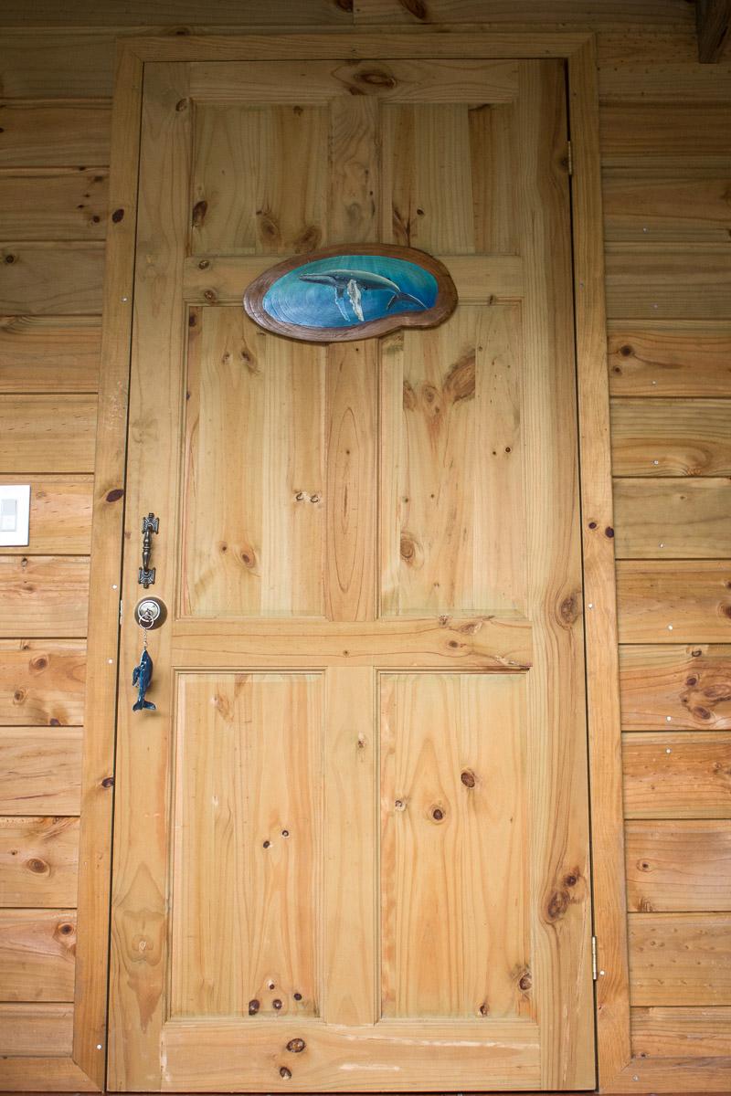 porte entrée cabane en bois ballena