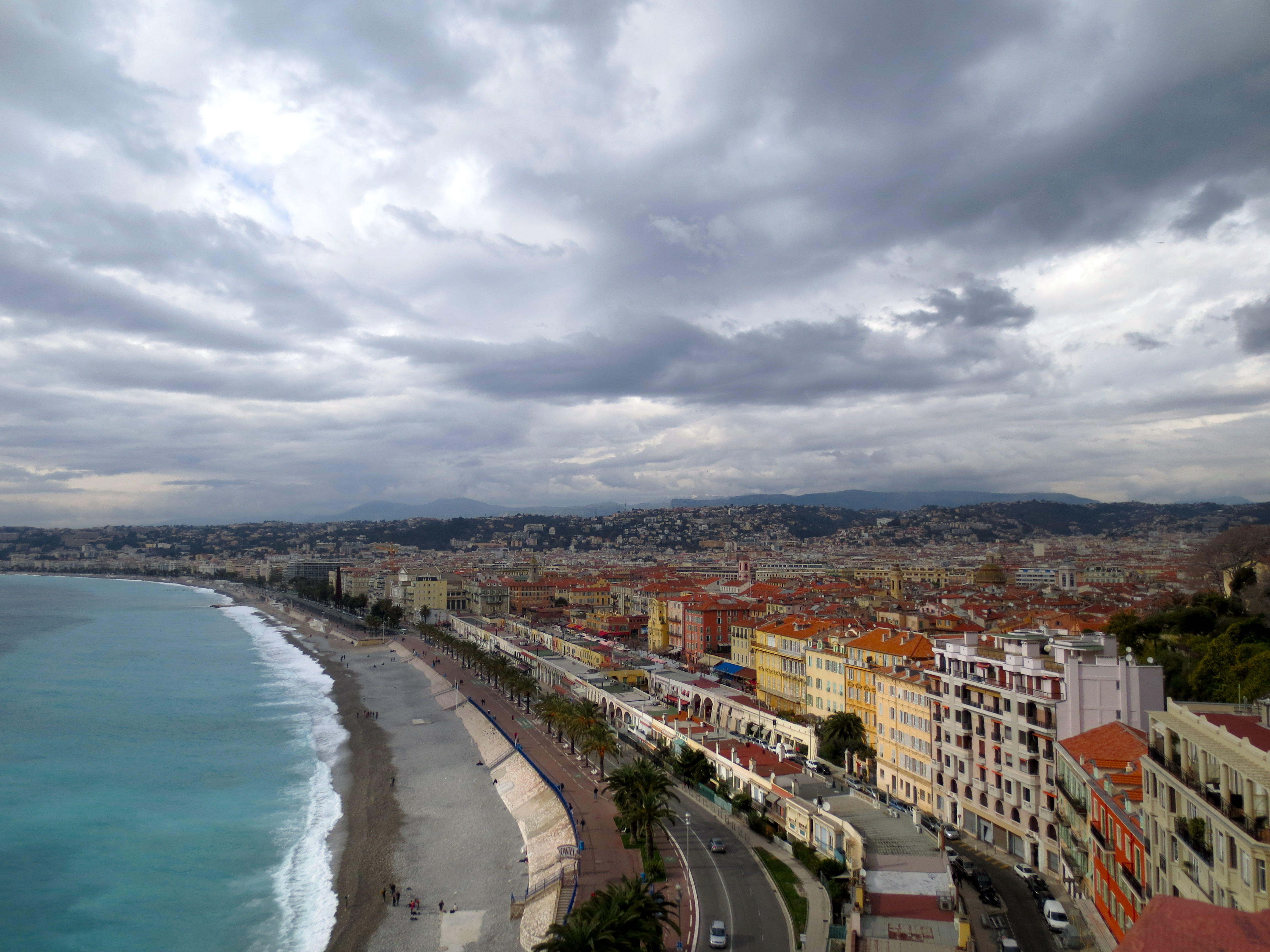 Cloudy day in Nice