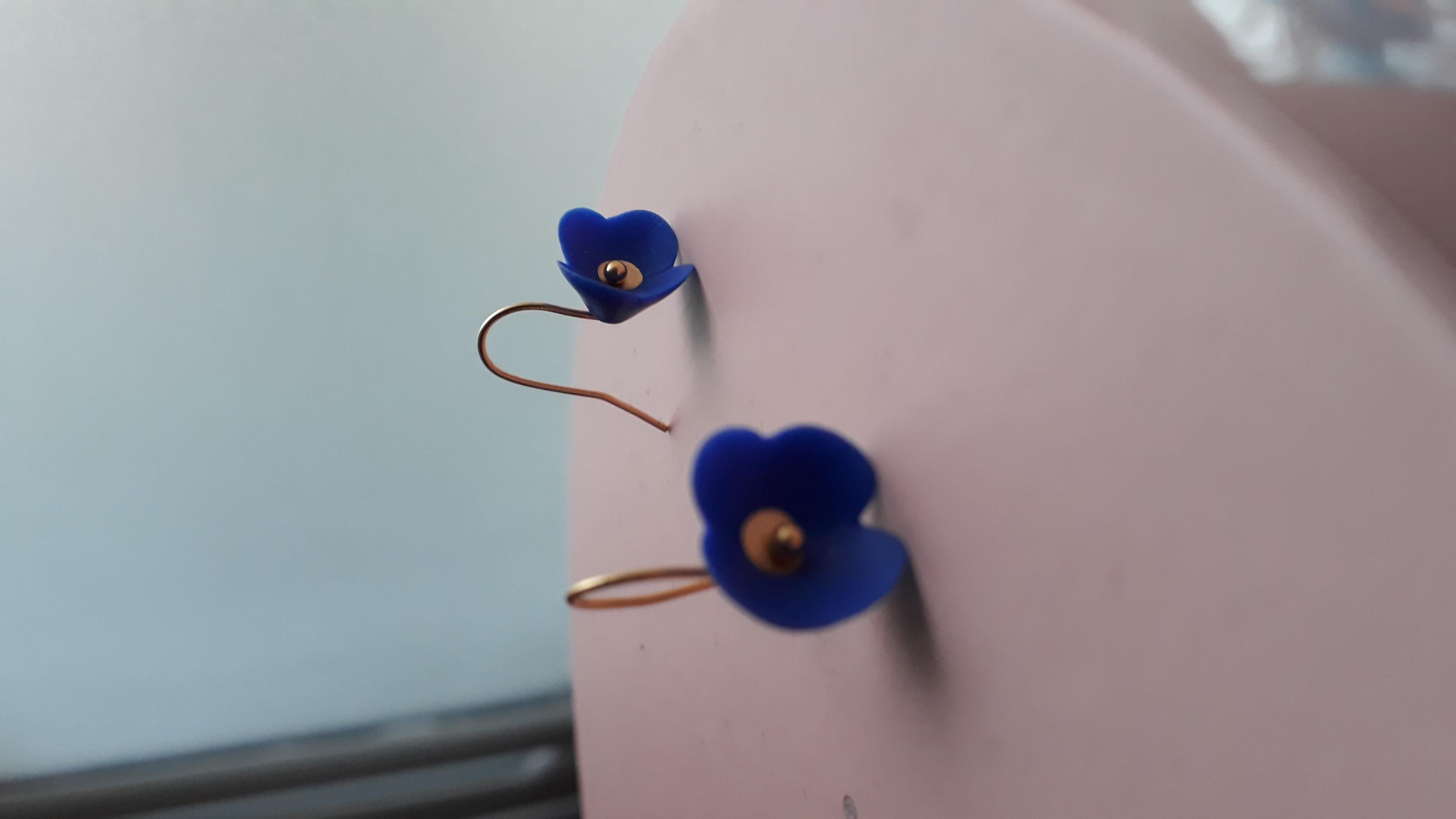 Boucle camélia bleu cobalt