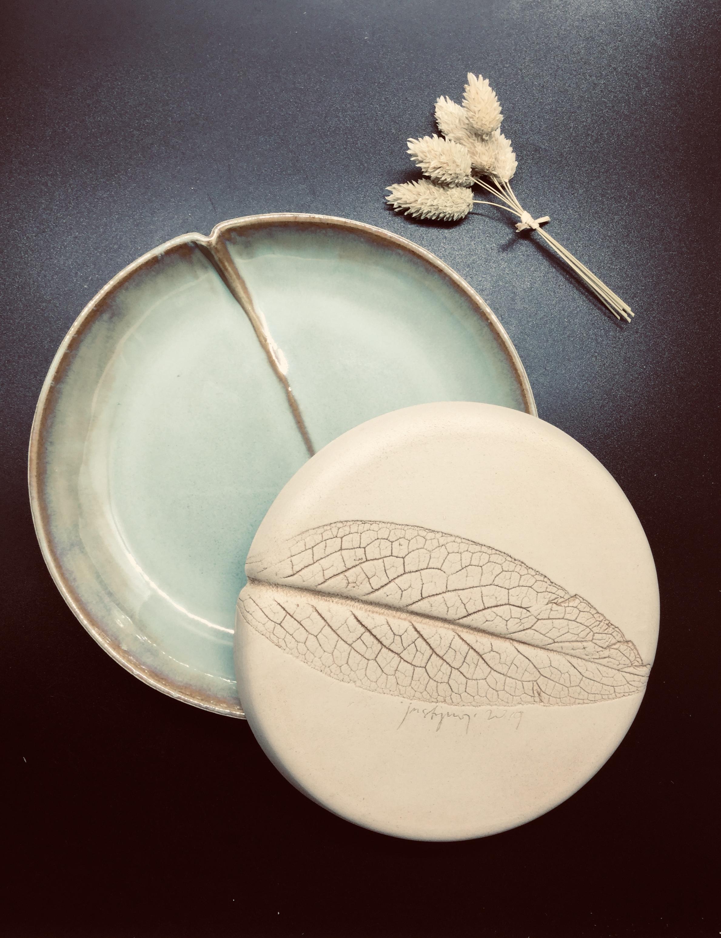 Assiette grès avec gravure