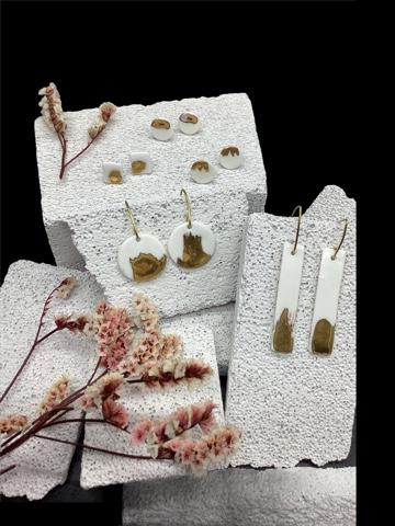 Boucles d'oreille porcelaine et or