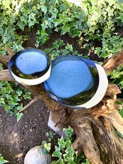 Assiette en grès Bleu/Noir, terre chamottée