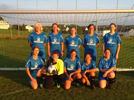 Erstes Spiel der Damenmannschaft