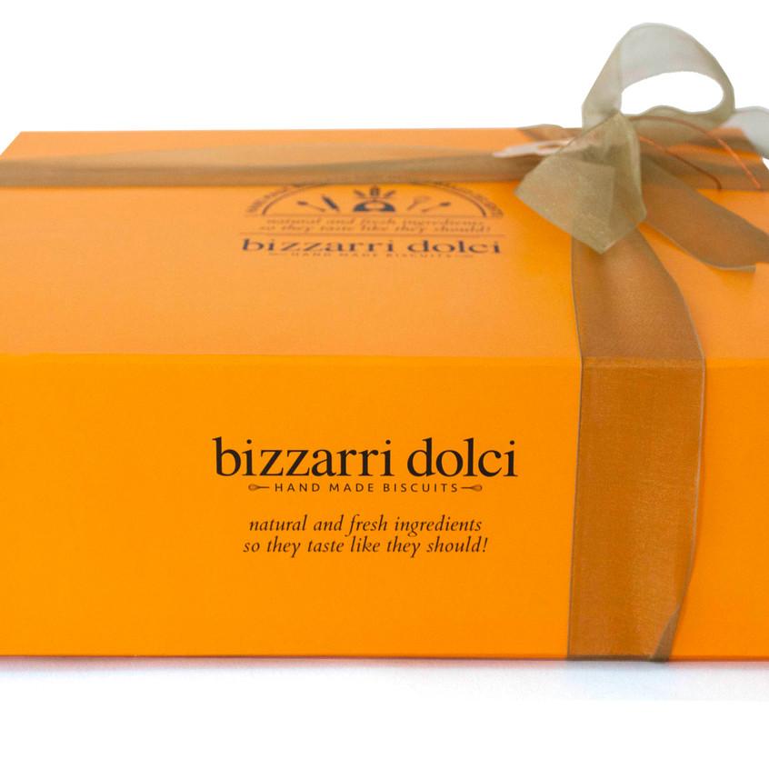 Hamper_orange_closed_bizzarri_dolci_biscuits_christmas copy