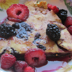 Mother's Day Fresh Berry Dutch Pancake w/ Berry Sauce