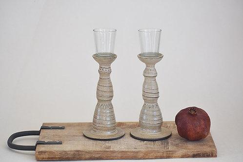 פמוטים לנרות שבת בצבע שמנת עתיק מנוקד