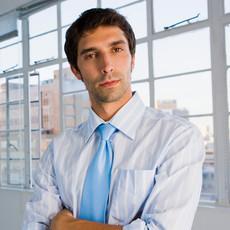 El hombre de negocios joven