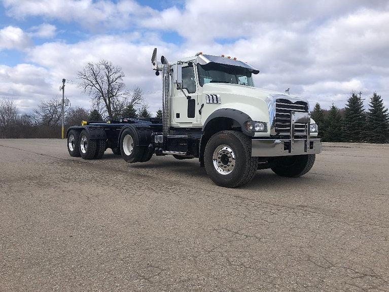 White Mack Granite Semi Truck Repair | Quality Truck and Tire | Clare, MI 48617