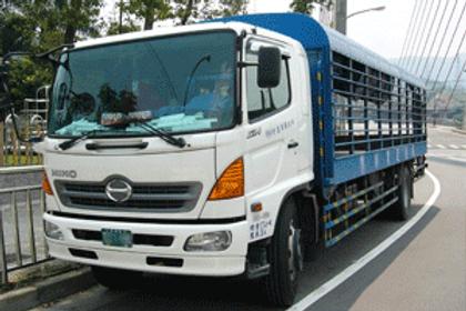 White Hino Truck Repair | Quality Truck and Tire | Clare, MI 48617