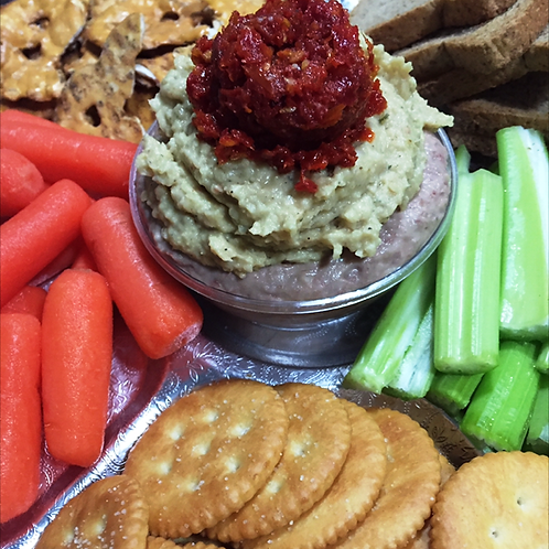 Hummus Platter, Crackers and Veggies