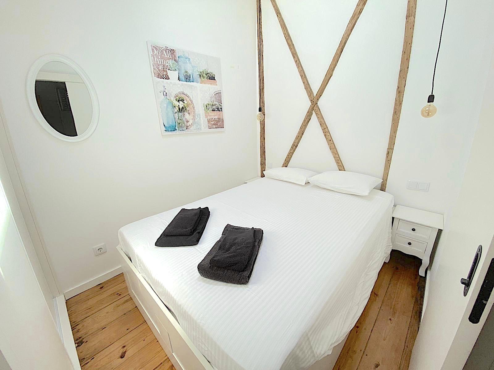 5th fl bedroom