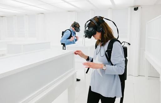 Evolução e popularização da Realidade Virtual ao longo do tempo