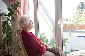 lonely-senior-home-old-aging-alone-luna4