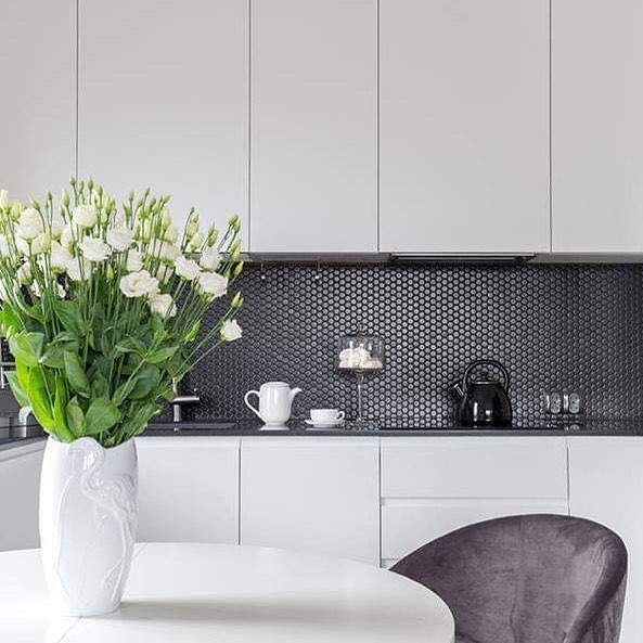 modern konyha fekete feher.jpg