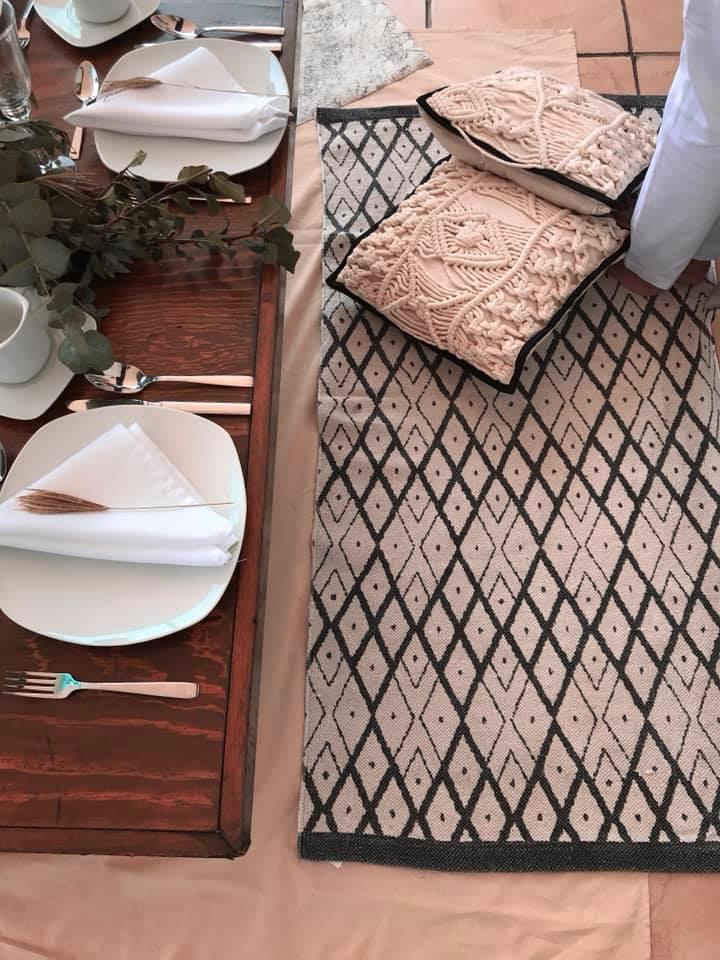Renta de cojines y tapetes