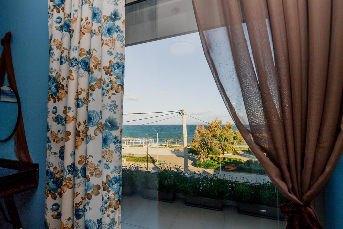 Apartment near sea