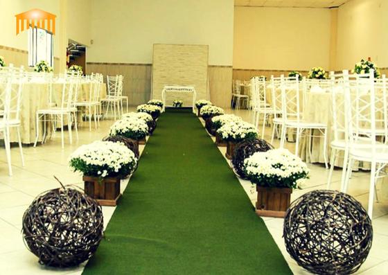 Salão com uma área livre 250m²